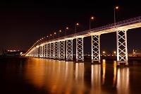 中国 マカオの橋の夜景