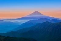 山梨県 雁ヶ原摺山より富士山遠望