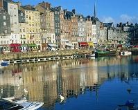 フランス・オンフルール オンフルール港と町並み