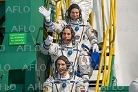 米露の飛行士が宇宙に向け出発