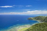 沖縄県 久米島 比屋定バンタからの眺め