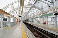 京成日暮里駅下り線ホーム