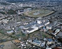 東京都 府中市 中央道とサントリー工場