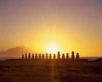 チリ イースター島 トンガリキのモアイ像