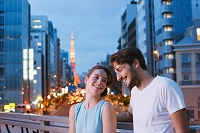 東京を観光する外国人