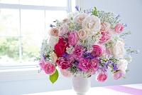 花瓶のバラの花