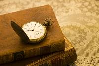 懐中時計と古書
