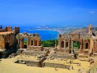 イタリア シチリア島 古代ギリシャ劇場とエトナ山