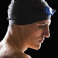 男子水泳選手