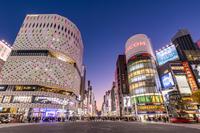 東京都 銀座四丁目交差点の夜景