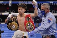 ボクシング:WBA&IBF世界バンタム級タイトルマッチ