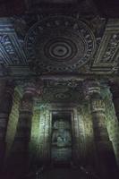 インド アジャンター石窟群 第2窟 仏堂 仏坐像