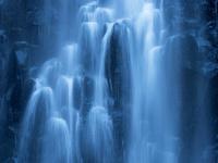 山形県 玉簾の滝