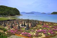 長崎県 頭ヶ島集落 キリシタン墓地と海