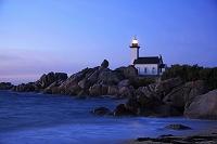 フランス ブルターニュ地方 ポントゥスヴァル灯台 夕景色