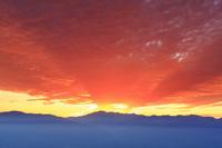 長野県 上田市 美ヶ原高原 思い出の丘 乗鞍岳と夕焼け