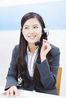 オペレーターの日本人女性