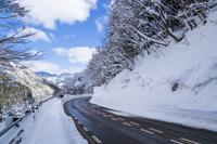 富山県 冬の菅沼合掌集落展望道