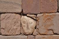 ティワナク遺跡 石の顔