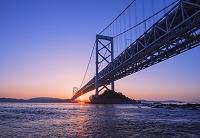 徳島県 大鳴門橋と朝日