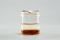 コーヒーシュガーを水に溶かす(2/A)