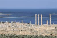 サブラタ遺跡 列柱と地中海