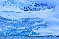 南極 アルミランテ・ブラウン基地/氷河