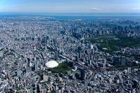 小石川後楽園、東京ドーム、水道橋駅より東京駅方面
