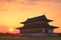 奈良県 夕日の大極殿