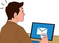 2in1 PCでメールを受信した若い男性