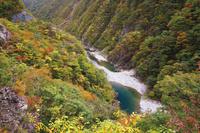 岩手県 当楽第2橋より錦秋湖を望む