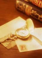 懐中時計とポストカード