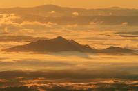栃木県 那須岳より雲海と山並朝景