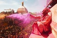 インド ヴリンダーヴァン ホーリー祭