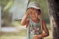 虫捕りの日本人の男の子