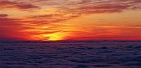 富山県・黒部立山アルペンルート 雲海と夕焼け