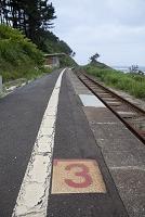 岩手県 震災後の八戸線 有家駅 待合室が流出(2011年7月)