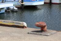 港の係留杭 ビット