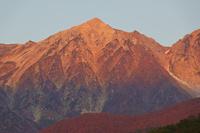 長野県 早朝の白馬鑓ケ岳
