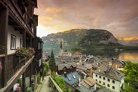 オーストリア ハルシュタット湖と村