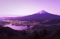 山梨県 新道峠より富士山(朝)