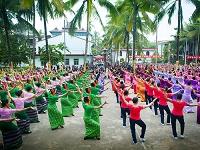 中国 雲南省 ガンランパ タイ族のダンス大会