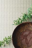 備前焼とコデマリの花