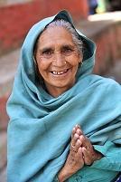 ネパール サリーを着ている女性