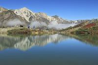 長野県 八方池に映る白馬連峰