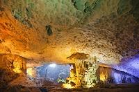 ベトナム ハロン湾 鍾乳洞