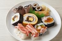 にぎり寿司とのり巻き