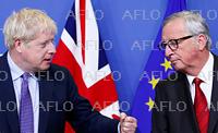 EU首脳会議 新たな英離脱協定案を承認