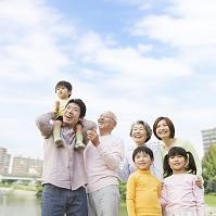 日本人の三世代家族