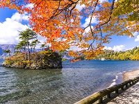 青森県 十和田湖 恵比寿大黒島 紅葉